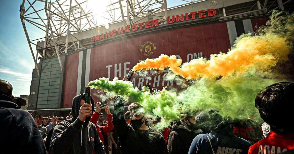 Glazers ready to give fans a say at Manchester United