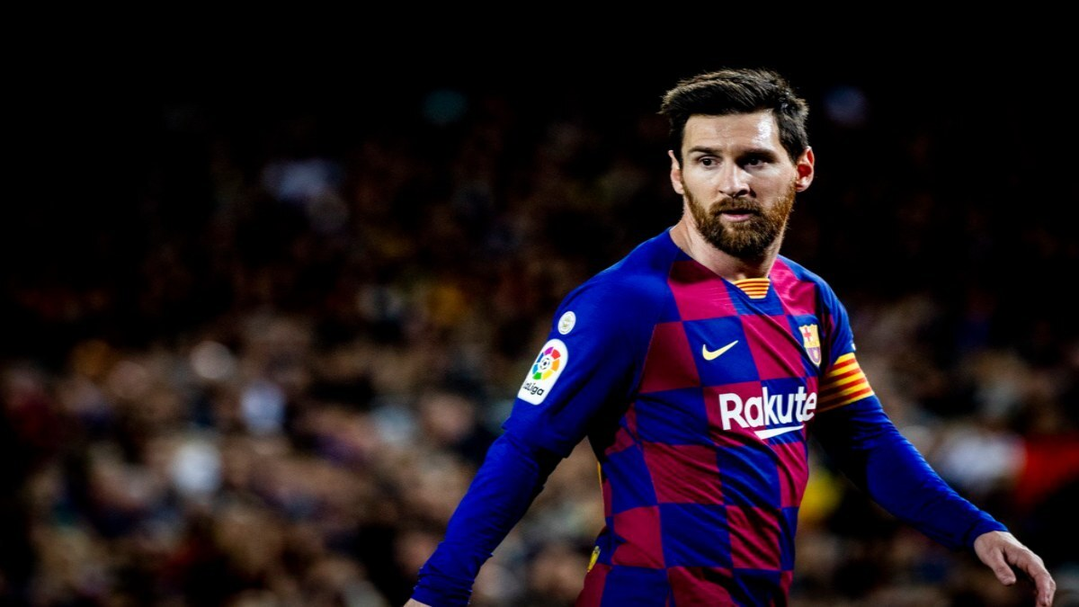 Lionel Messi becomes a free agent after expiry of Barcelona contract