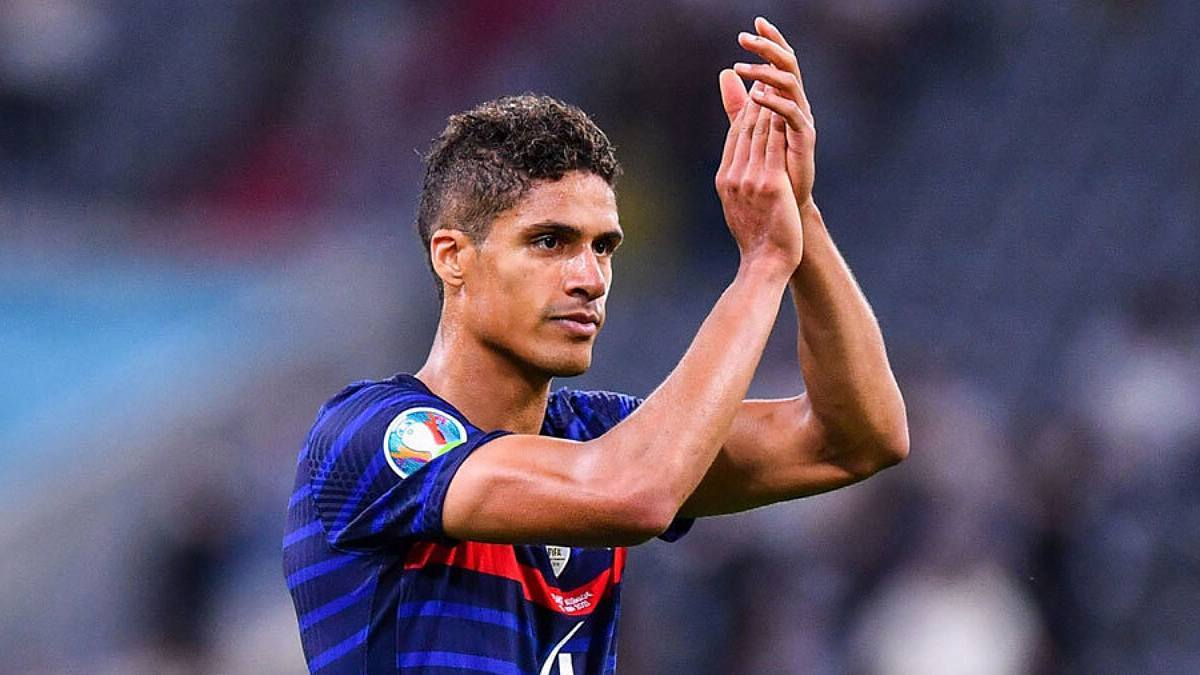 Raphael Varane is close to signing contract with Manchester United
