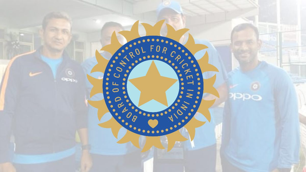 Four Indian support staff members isolated following Ravi Shastri's positive lateral flow Test